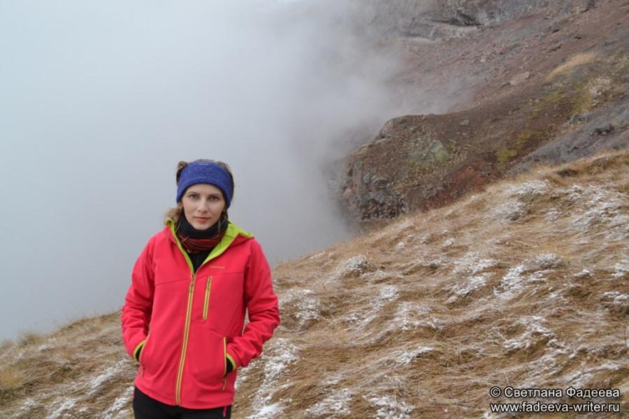 prielbruse-trekking-v-okrestnostyah-podem-ot-polyany-azau-do-priyuta-11-ti-vyhod-k-skalam-pastuhova-31