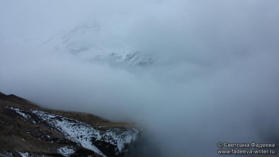 prielbruse-trekking-v-okrestnostyah-podem-ot-polyany-azau-do-priyuta-11-ti-vyhod-k-skalam-pastuhova-34