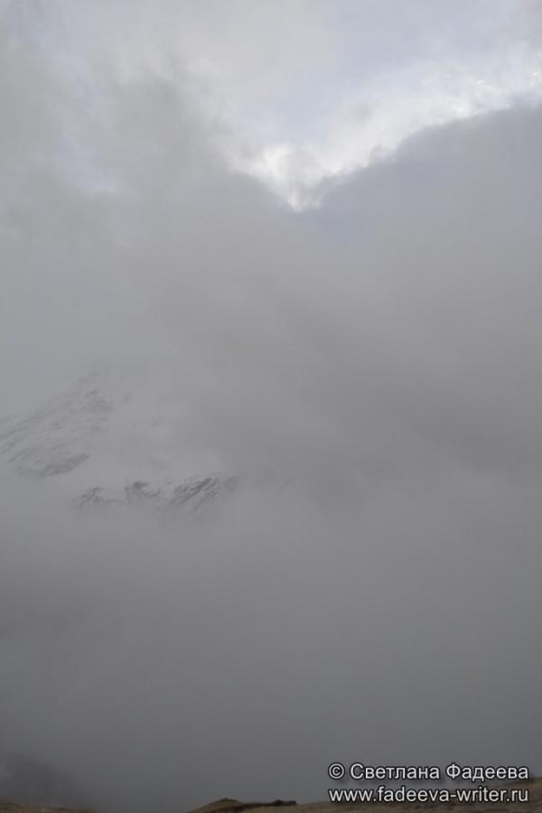 prielbruse-trekking-v-okrestnostyah-podem-ot-polyany-azau-do-priyuta-11-ti-vyhod-k-skalam-pastuhova-39