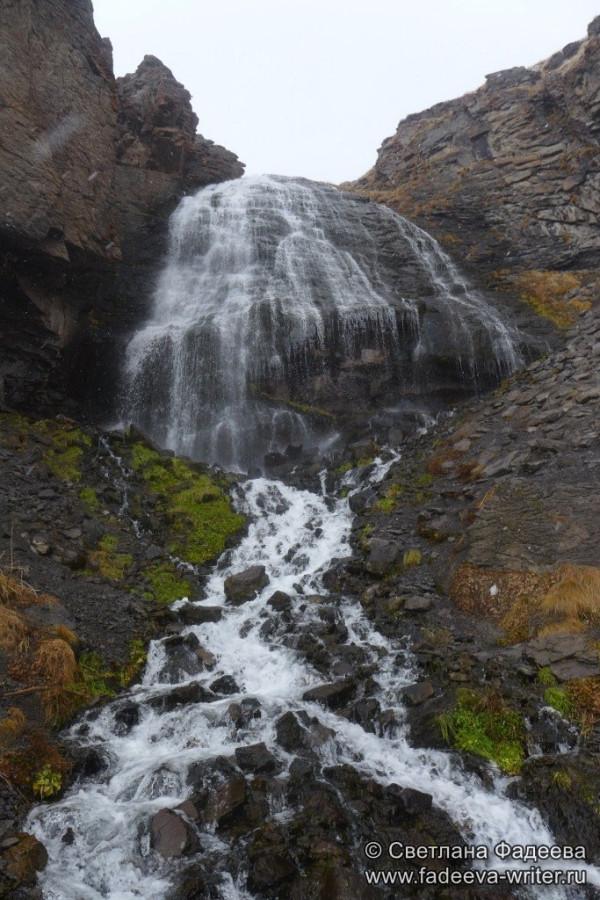 prielbruse-trekking-v-okrestnostyah-podem-ot-polyany-azau-do-priyuta-11-ti-vyhod-k-skalam-pastuhova-41