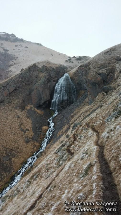prielbruse-trekking-v-okrestnostyah-podem-ot-polyany-azau-do-priyuta-11-ti-vyhod-k-skalam-pastuhova-45