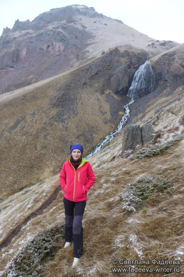 prielbruse-trekking-v-okrestnostyah-podem-ot-polyany-azau-do-priyuta-11-ti-vyhod-k-skalam-pastuhova-46