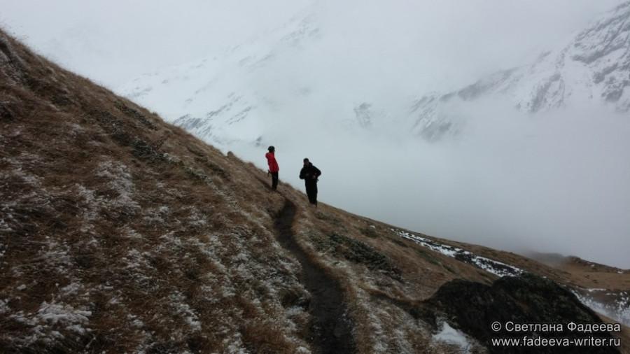 prielbruse-trekking-v-okrestnostyah-podem-ot-polyany-azau-do-priyuta-11-ti-vyhod-k-skalam-pastuhova-47