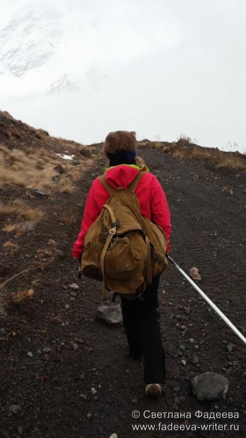 prielbruse-trekking-v-okrestnostyah-podem-ot-polyany-azau-do-priyuta-11-ti-vyhod-k-skalam-pastuhova-48