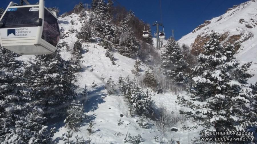 prielbruse-trekking-v-okrestnostyah-podem-ot-polyany-azau-do-priyuta-11-ti-vyhod-k-skalam-pastuhova-49