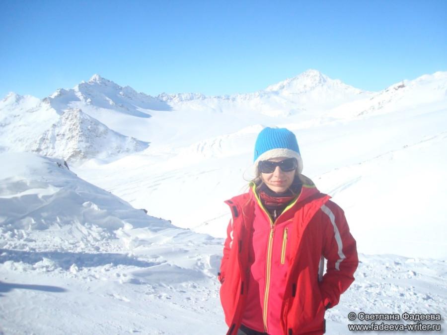 prielbruse-trekking-v-okrestnostyah-podem-ot-polyany-azau-do-priyuta-11-ti-vyhod-k-skalam-pastuhova-56