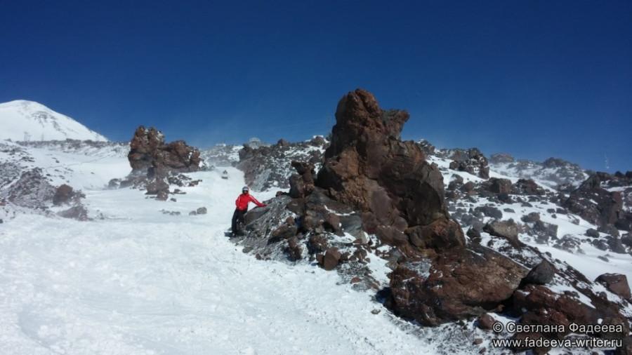 prielbruse-trekking-v-okrestnostyah-podem-ot-polyany-azau-do-priyuta-11-ti-vyhod-k-skalam-pastuhova-60