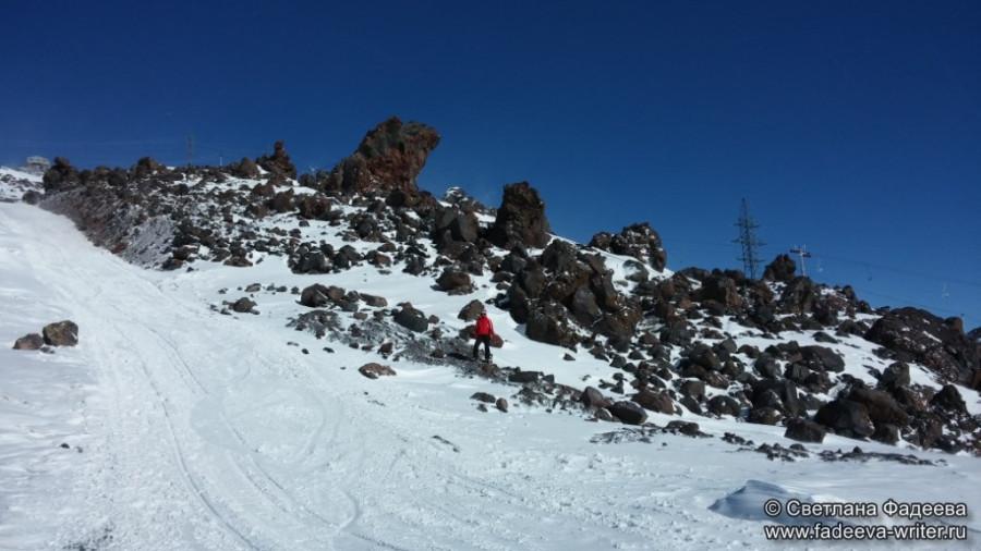 prielbruse-trekking-v-okrestnostyah-podem-ot-polyany-azau-do-priyuta-11-ti-vyhod-k-skalam-pastuhova-61