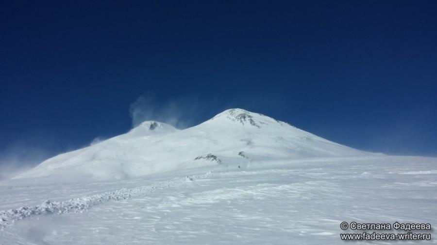 prielbruse-trekking-v-okrestnostyah-podem-ot-polyany-azau-do-priyuta-11-ti-vyhod-k-skalam-pastuhova-65
