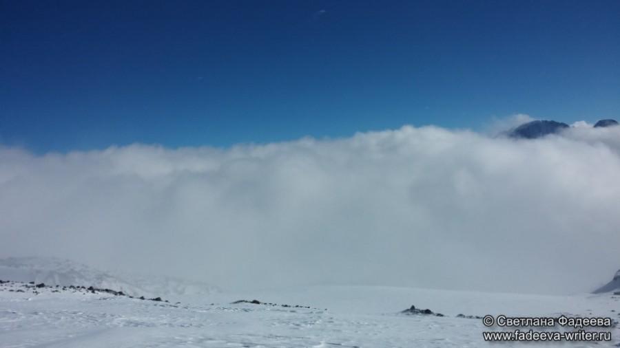 prielbruse-trekking-v-okrestnostyah-podem-ot-polyany-azau-do-priyuta-11-ti-vyhod-k-skalam-pastuhova-67