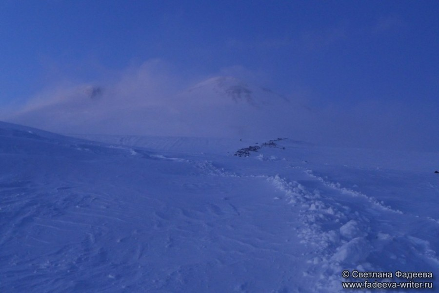 prielbruse-trekking-v-okrestnostyah-podem-ot-polyany-azau-do-priyuta-11-ti-vyhod-k-skalam-pastuhova-73