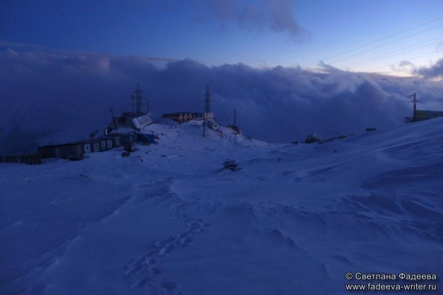 prielbruse-trekking-v-okrestnostyah-podem-ot-polyany-azau-do-priyuta-11-ti-vyhod-k-skalam-pastuhova-71