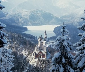 Neuschwanstein_Castle_winter_germany_bavaria_castle_bavaria_architecture_buildings_tower_nature_landscapes_trees_forest_wood_lakes_winter_snow_seasons_mountains_haze_scenic SMALLER