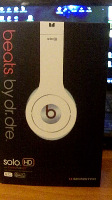 beats_whitefront