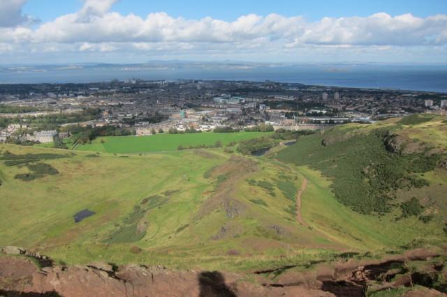 Внизу Шотландия
