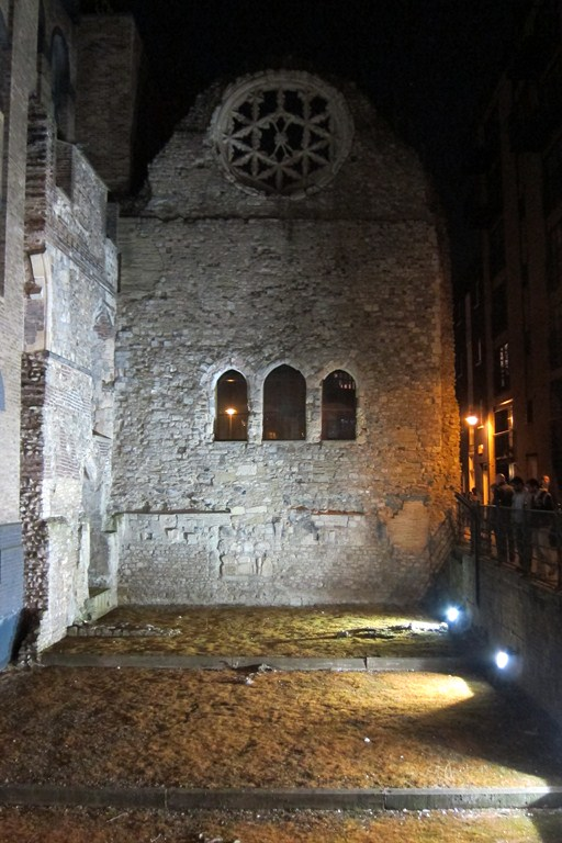 старинная церковь
