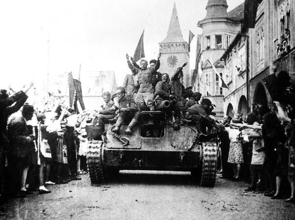 «Неизвестный» советский офицер, спасший Прагу в 1945 году