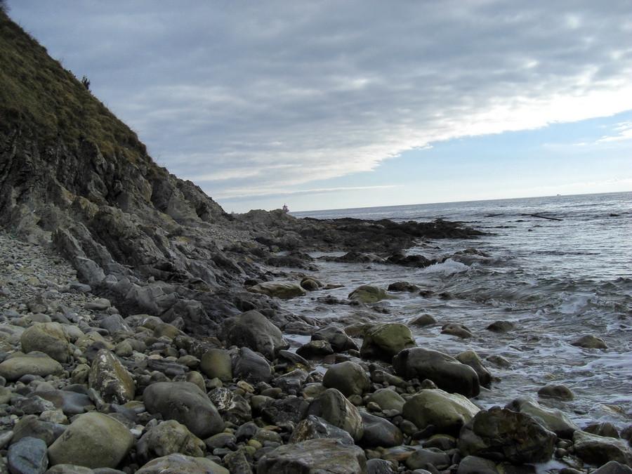 море берег камни