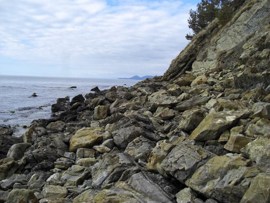 море берег камни3