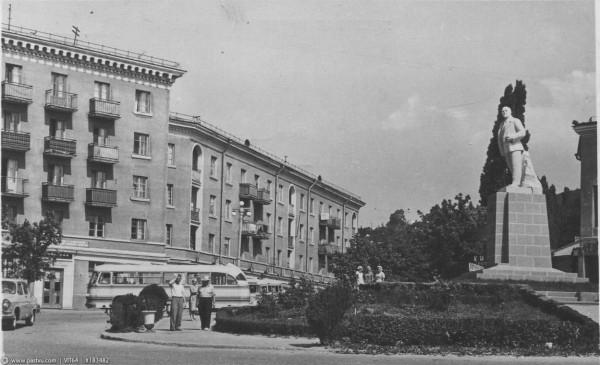 Туапсе памятник Ленина 1964