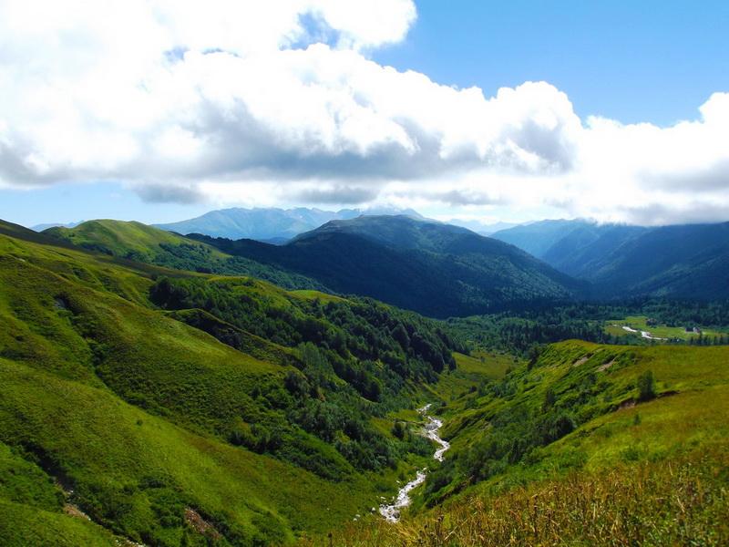 Фишт-Оштеновский перевал, верховья реки Белой. Адыгея