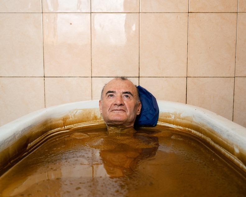 naftalan-crude-oil-baths-4[3]