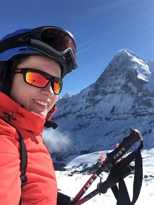 Что приключилось со мной на горных лыжах, Агата Кристи нервно курит
