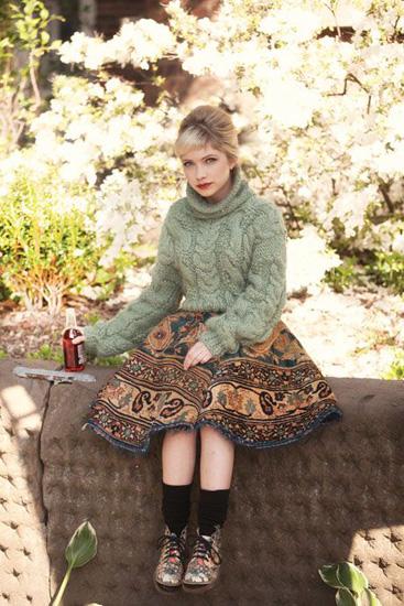 tavi-gevinson-bust-sweater