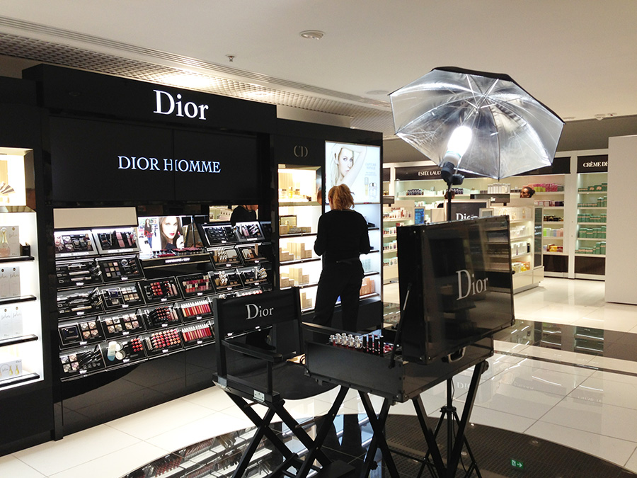 dior_stand1
