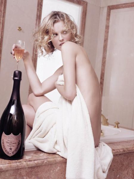20061001-Eva.Herzigova.by.Karl.Lagerfeld.HQ.1.th