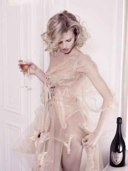 20061001-Eva.Herzigova.by.Karl.Lagerfeld.HQ.4.th