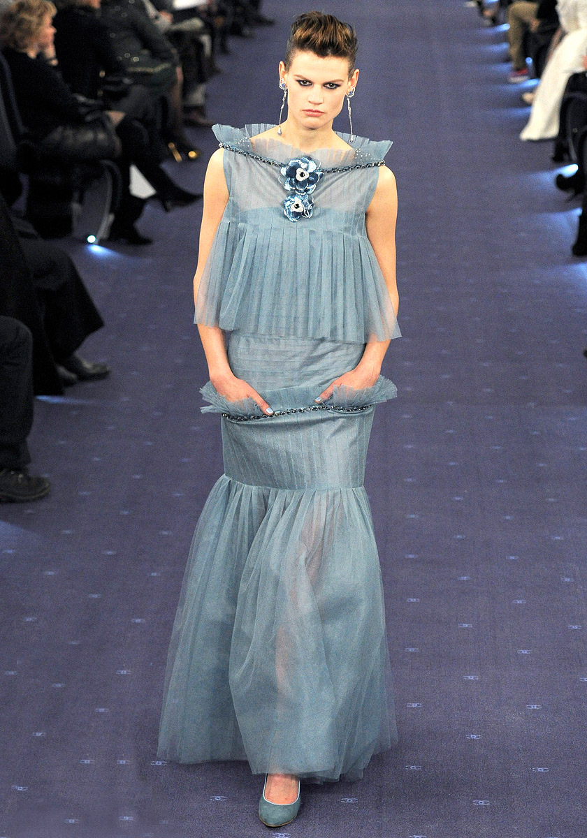 chanel-spring-2012-couture-60_09022177795