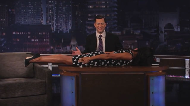 Rosario-Dawson-Planking