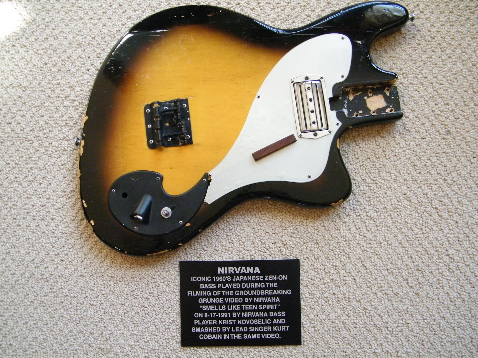 Гитара из легендарного клипа Nirvana ищет хозяина