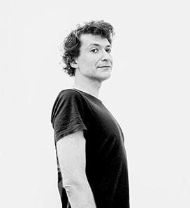 Павел Пепперштейн о Хаяо Миядзаки, отказе от компьютера и английском юморе