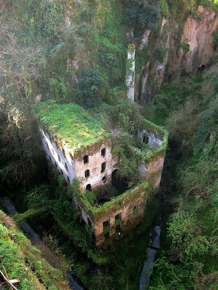 заброшенное место, мельница, Италия