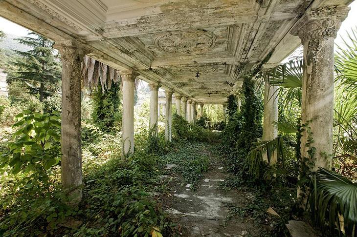 заброшенное место, Абхазия, железнодорожная станция