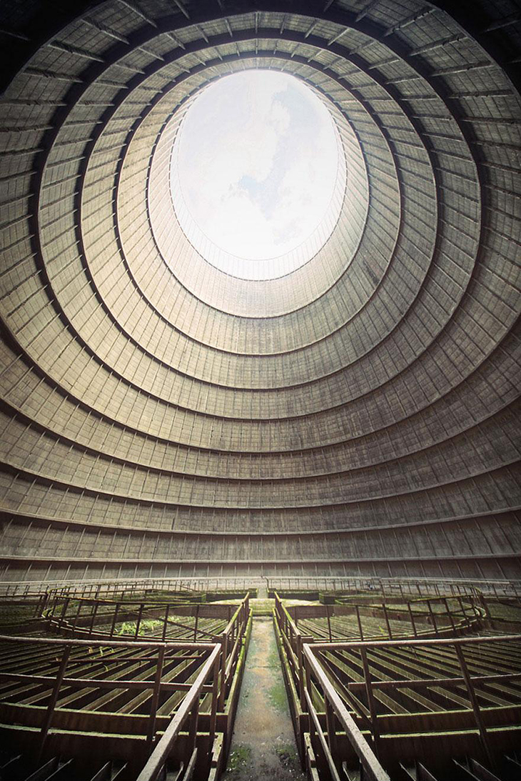 заброшенное место, Бельгия, охладительная башня