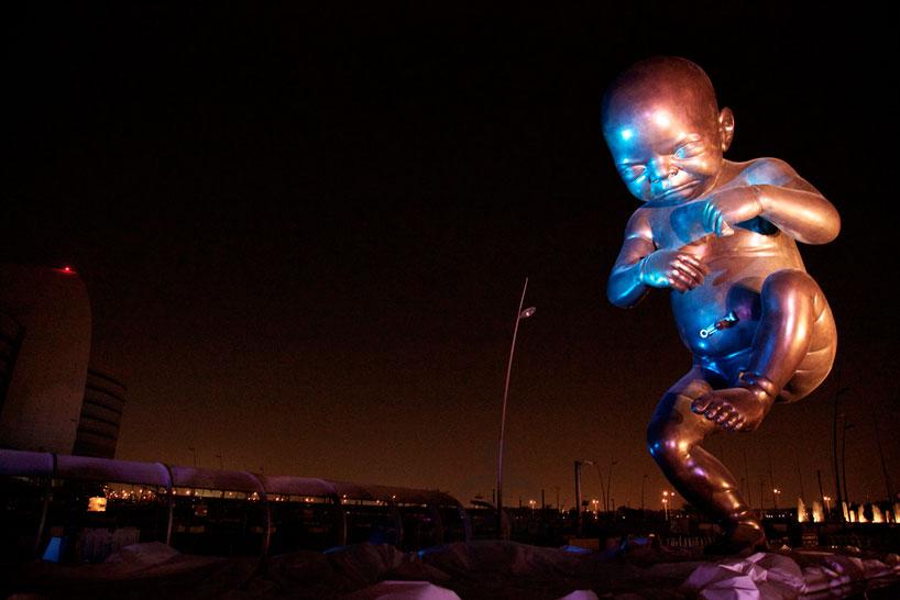 Дэмиен Херст, Катар, Доха, The Miraculous Journey, Чудотворное путешествие, младенец