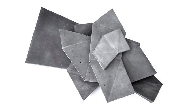 бетонный стол