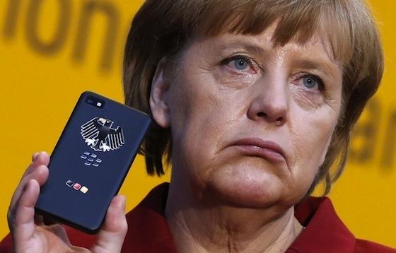 Телефон Ангелы Меркель прослушивает США