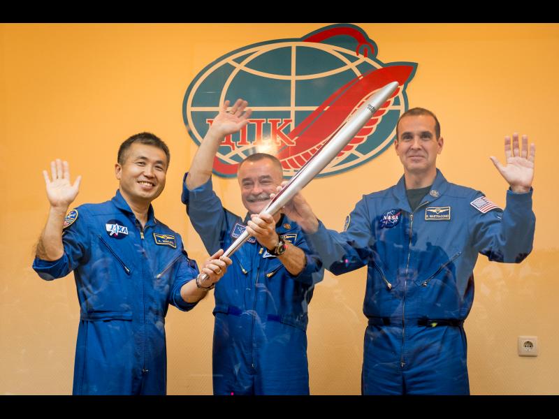 Олимпийский факел Сочи-2014 доставили на МКС