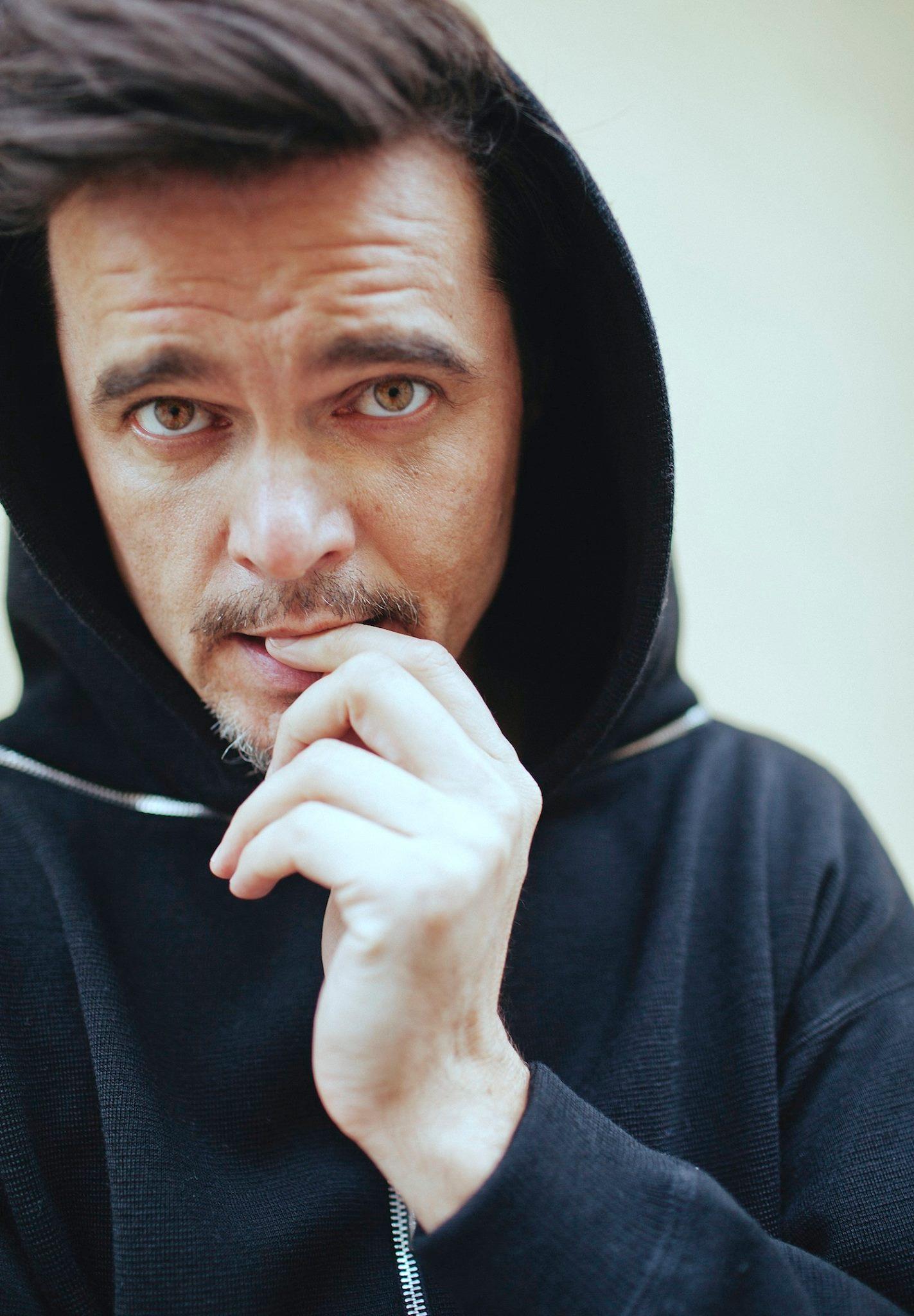 Игорь Григорьев о смысле мишуры, играх в революцию и потерянном поколении