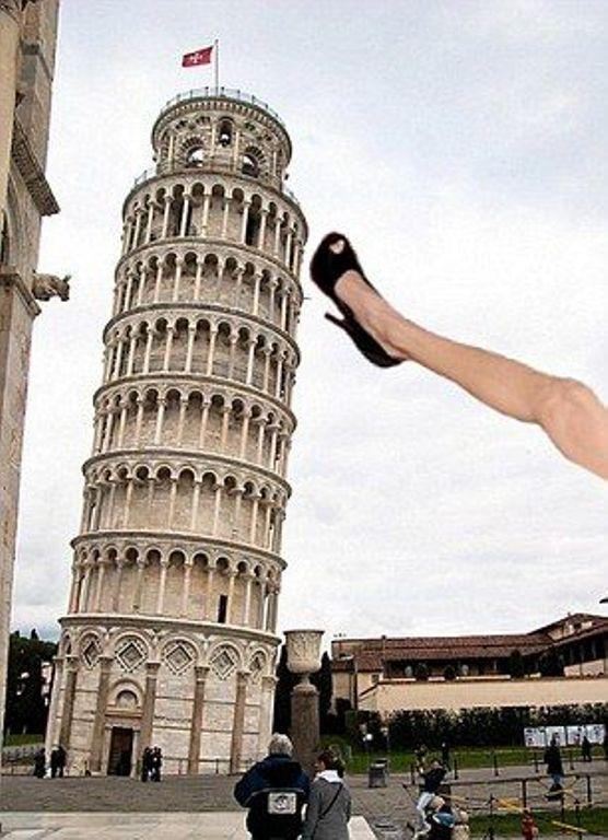 нога, Анджелина Джоли
