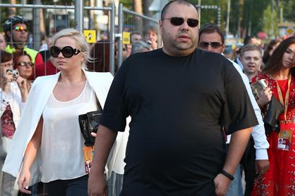 Максим Фадеев потребовал 3 миллиарда рублей от певицы Grooya