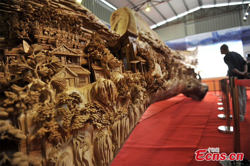 Чжэн Чанхуи, самая длинная деревянная скульптура
