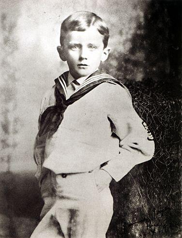 Джеймс в возрасте 6 лет