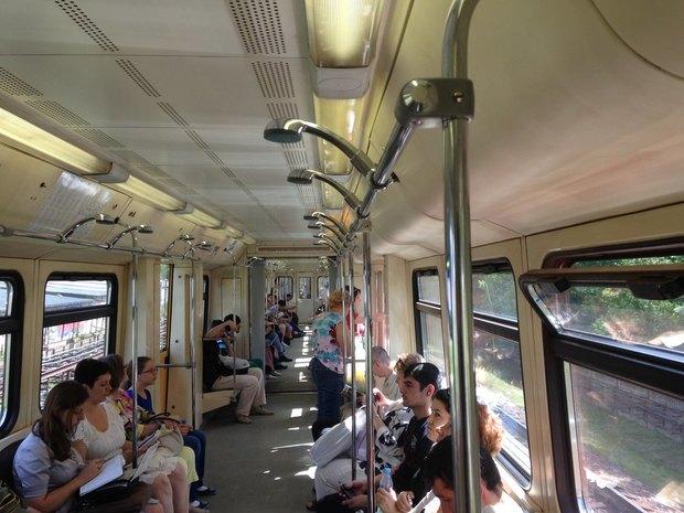 В московском метро установили душ