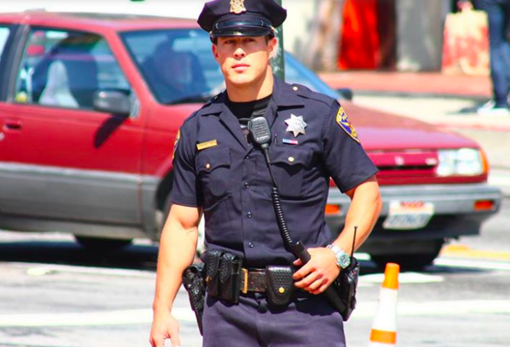 Самый красивый полицейский