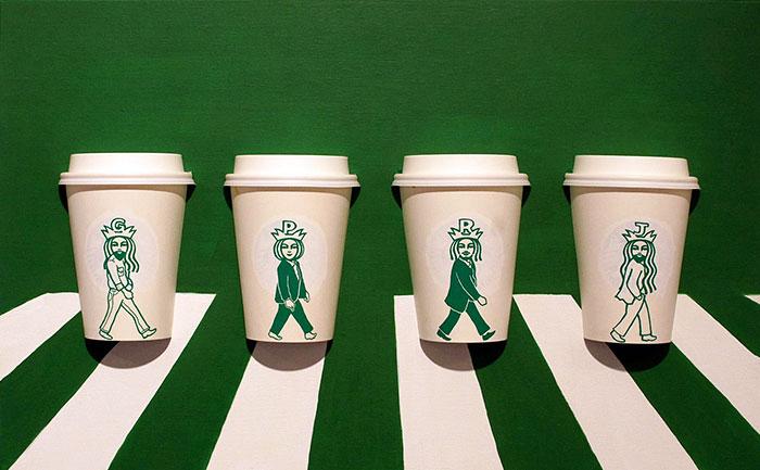 Забавные приключения логотипа Starbucks